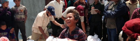 Nepal earthquake relief arrives at the villages courtesy of World Expeditions Foundation